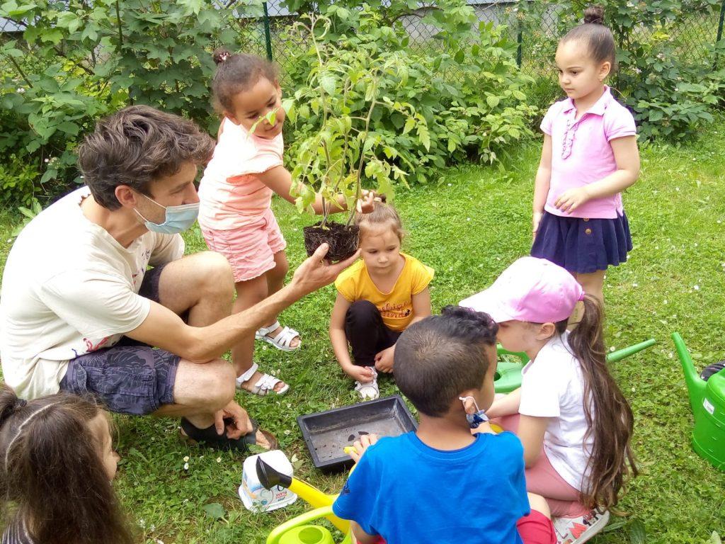 Plantation avec les enfants